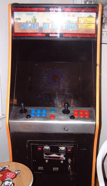 Pac-Man arcade cabinet restoration - phase 1